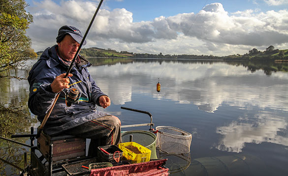 Top match angler with his feeder rig on Lough Muckno/