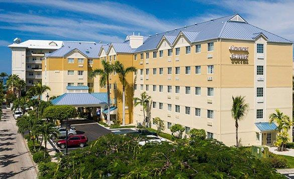 Exterior of the Comfort Suites Hotel in Grand Cayman/