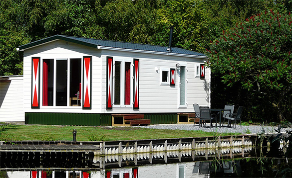 Chalet Premium next to the water at De Visotter holiday park/