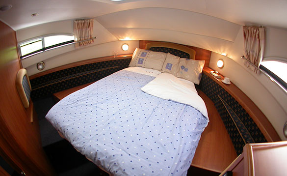 Double berth on Carrickcraft's Wexford Class cruiser/