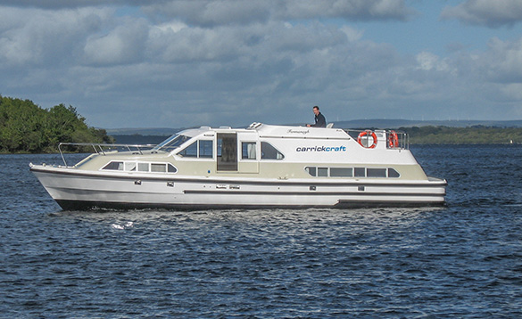 Carrickcraft's Fermanagh Class cruiser crusing on Lough Erne/