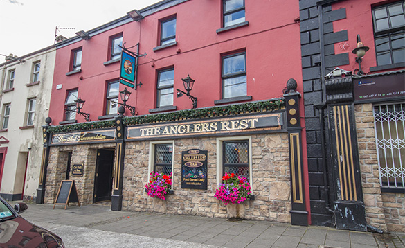 Entrance to the Anglers Rest in Ballyconnell/