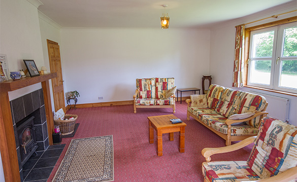 Large spacious lounge in Tully's Lough Derg Holiday Homes self-catering cottage/