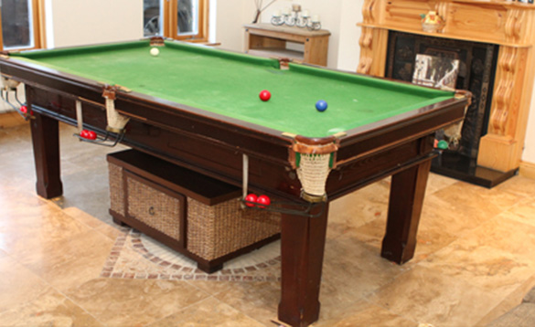 Snooker table at Hogans B&B/