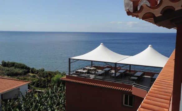 Terrace restaurant of the Hotel Jardim do Mar with stunning sea views/