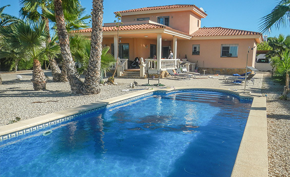 Self-catering villa in Ruimar, Spain with a pool/